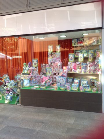 Shop window of Somnis